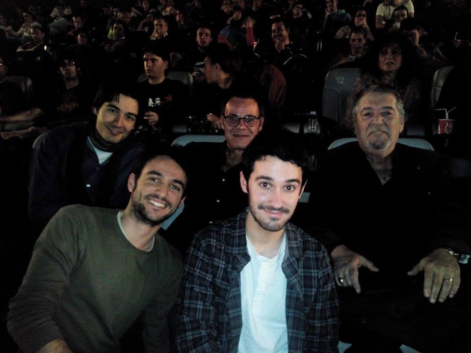 Fotografía después de la proyección. De izquierda a derecha y de arriba a abajo: Jos Gómez, Eduardo Gutiérrez, Pepe Mediavilla, Álvaro Ramos y Raúl Lara.