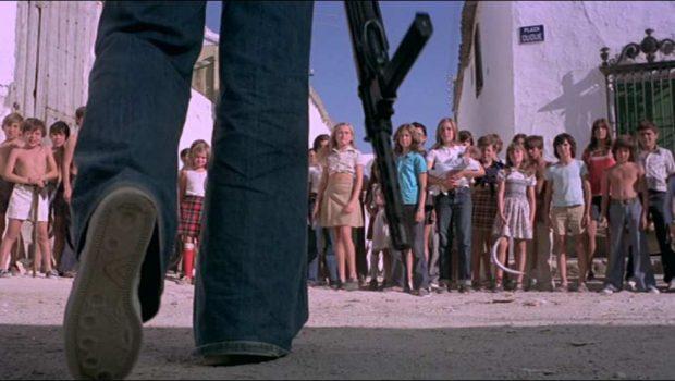 """""""¿Quién puede matar a un niño?"""", o el doblaje que no debió hacerse."""