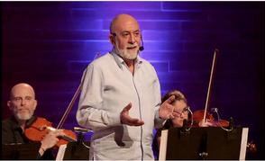 Salvador Vidal con la Orquestra Simfònica del Vallès. (Fuente: www.osvalles.com)